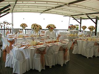 a095table setup on covered deck low